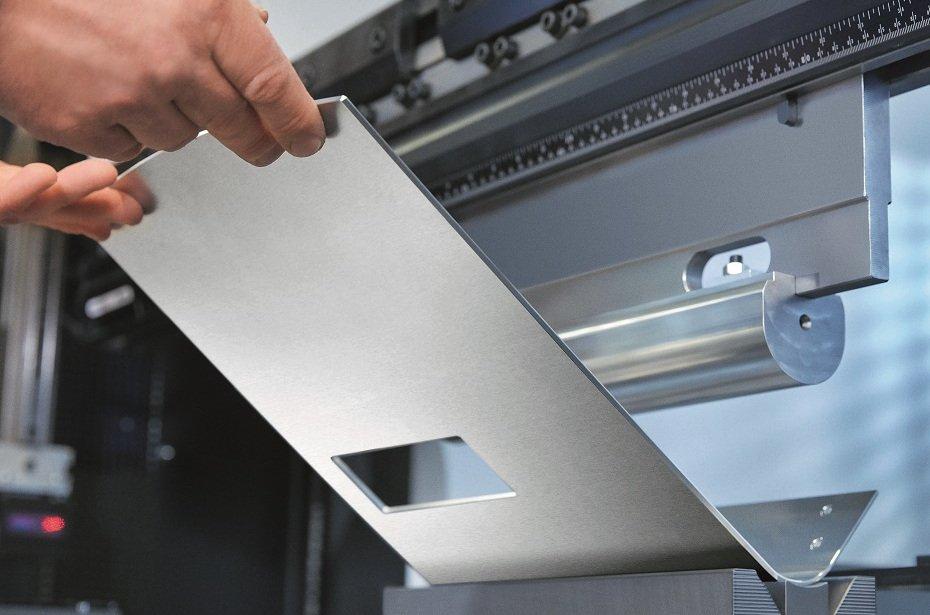 Jura Ena 8 Signature Line: Die beiden Teile des Aluminium-Gehäuses werden aus einem Stück gefräst (Bild: Jura)