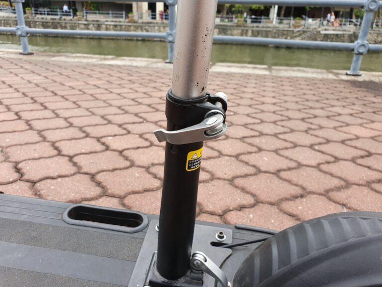 Höhenverstellbarer Sitz: ein Muss bei einem Leichtmofa.