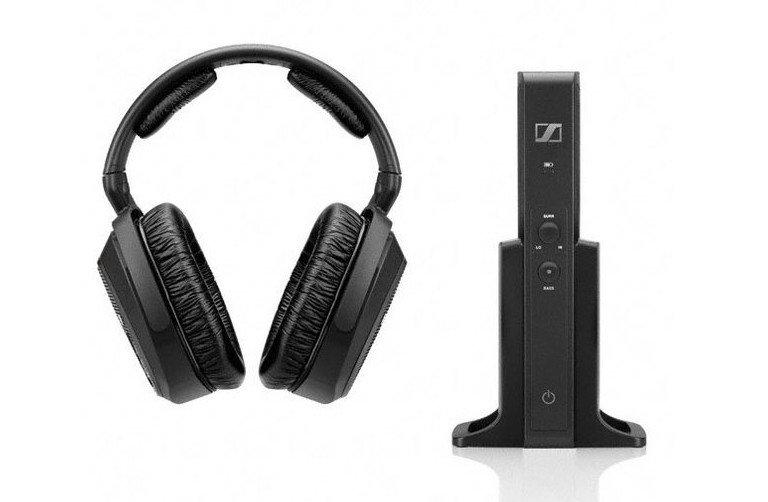 Die Funkkopfhörer Sennheiser RS 175 bringen besten Sound auf die Ohren, ohne die Nachbarn zu stören (Bild: Sennheiser)
