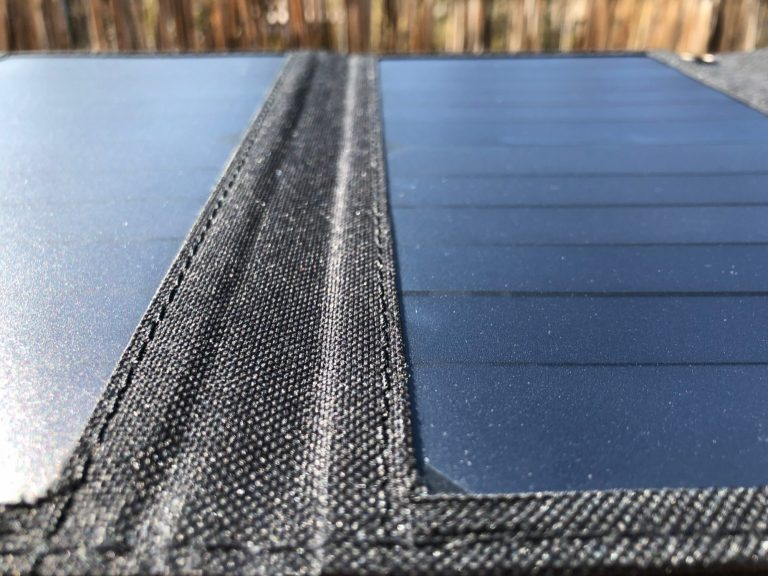 Solarladegerät von BigBlue im Einsatz