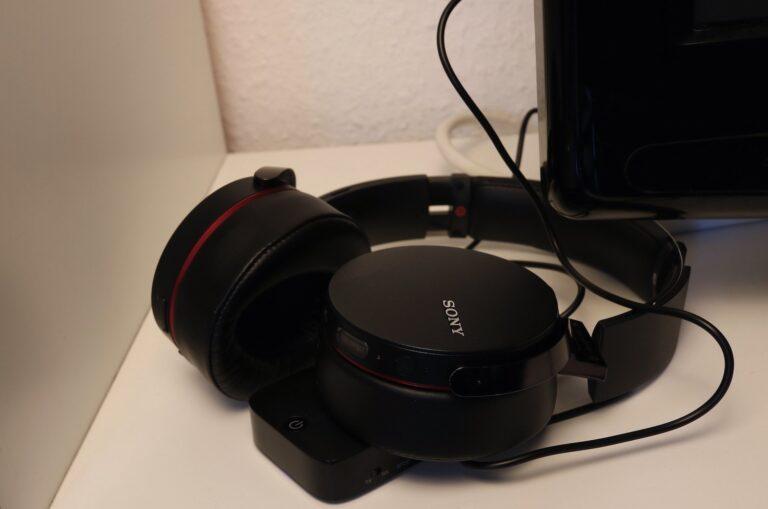 Zwei Dinge, die sich hervorragend ergänzen – der Taotronics-Transmitter und Bluetooth-Kopfhörer