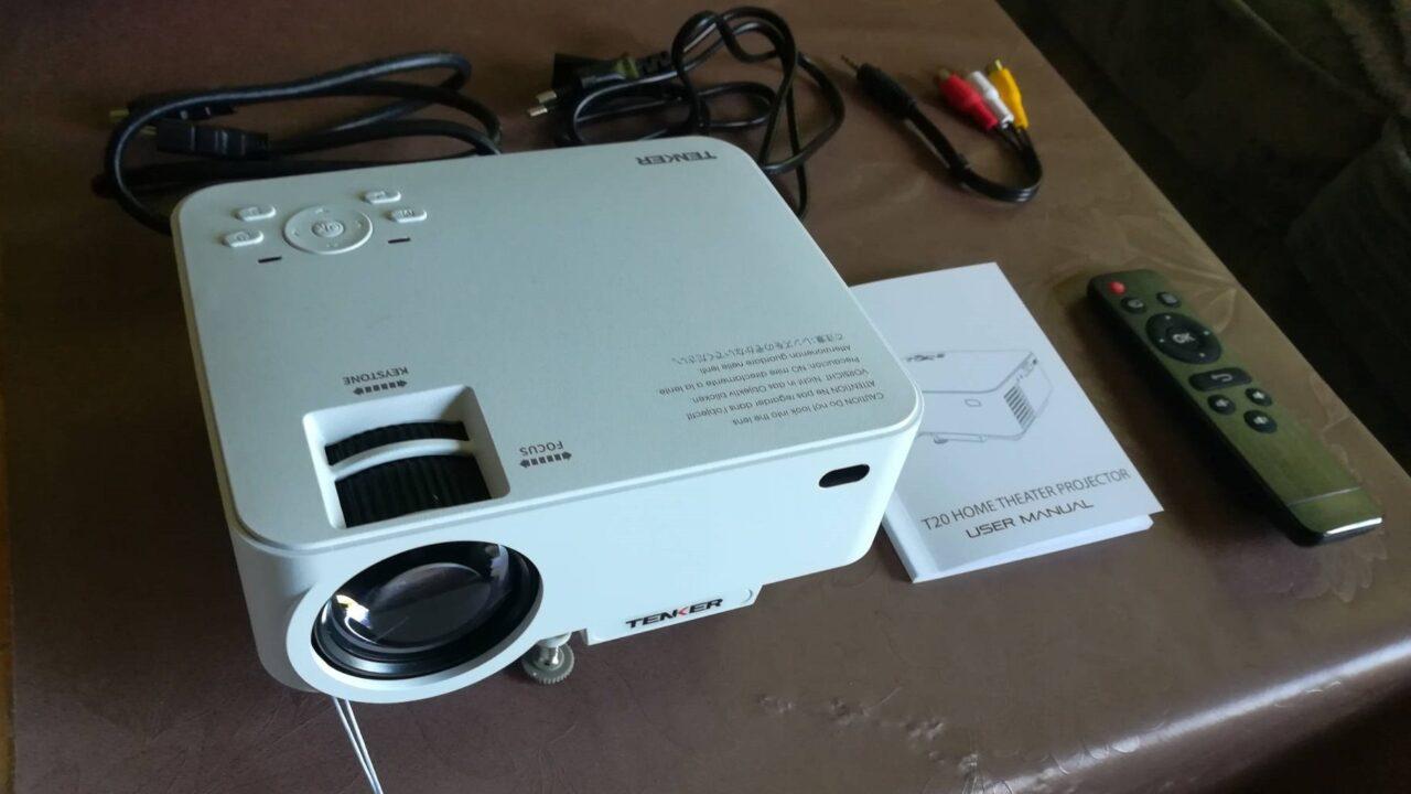 Mini-Projektor Tenker T20 im Test: Großes Kino zum kleinen Preis?