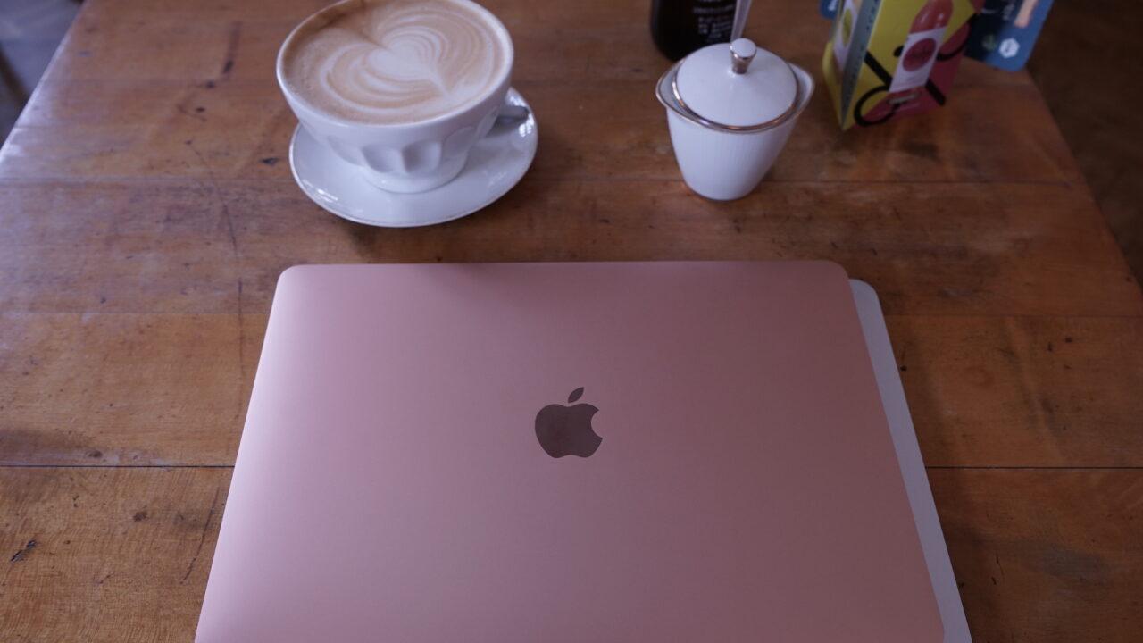 MacBook Air 2018 im Test: Stark, schlank, schön