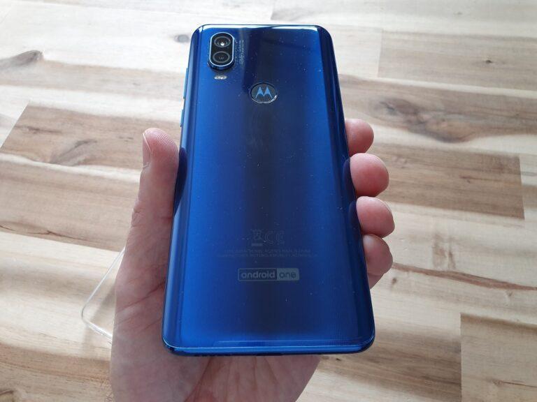 Motorola OneVision mit hübscher, blauer Rückseite