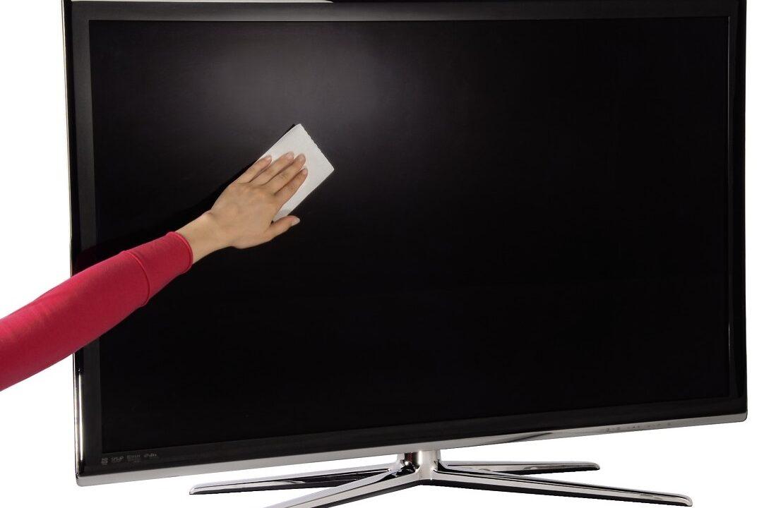 Fernseher reinigen: Sauberes Bild ohne Schäden am TV