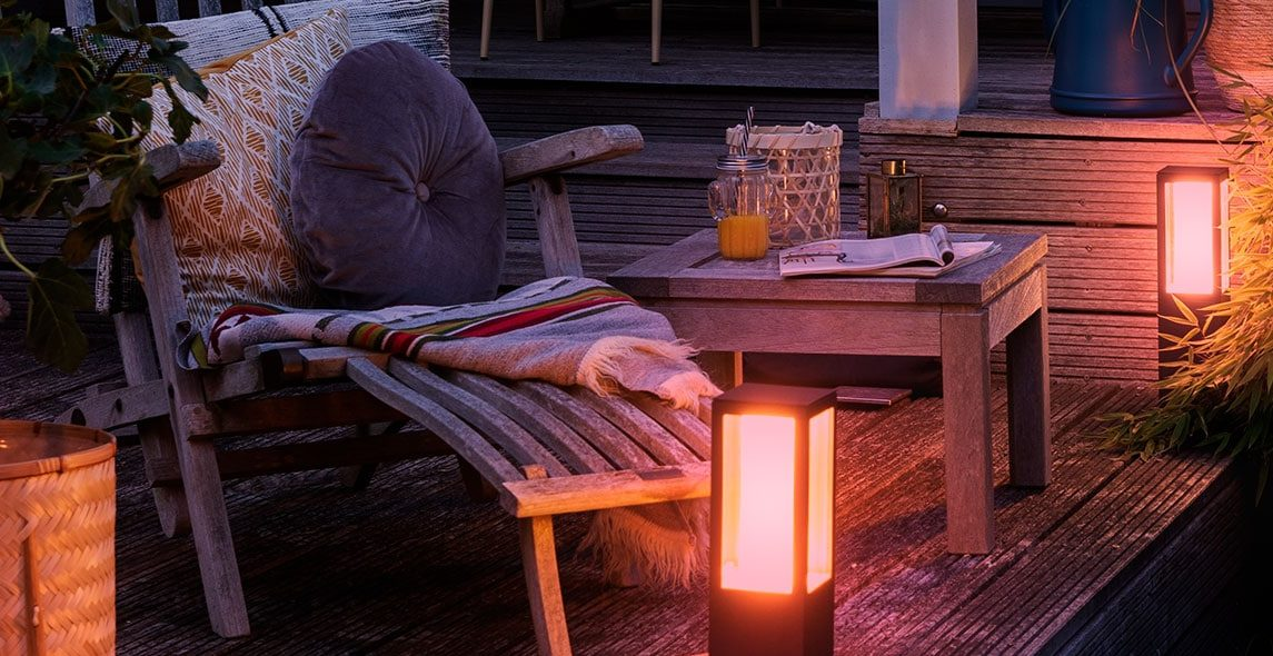 Smarte Lampen im Garten: Licht-Ambiente für den Sommer