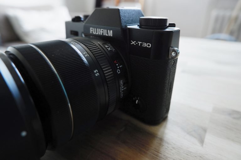 Fujifilm X-T30 von vorne