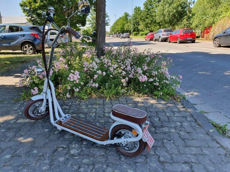 Wunderschön: Der E-Scooter Kumpan 1950