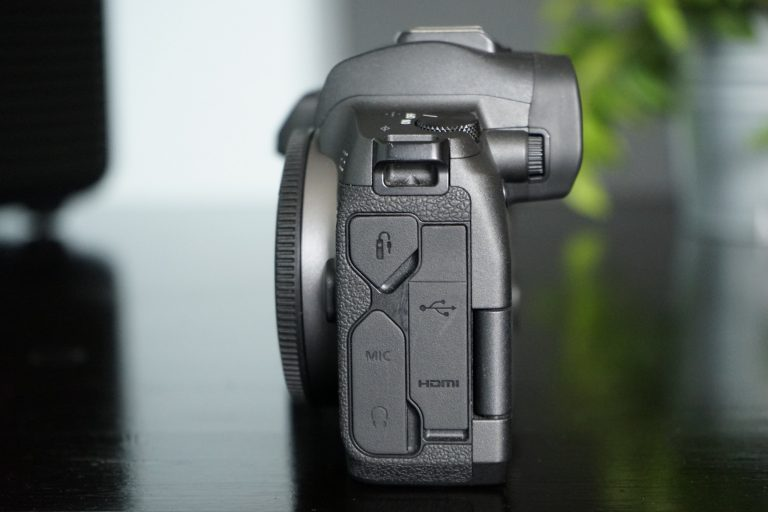 Anschlüsse der Canon EOS R