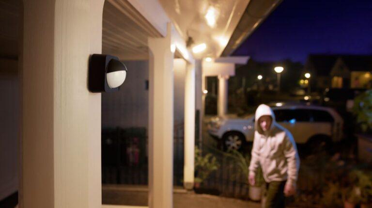 Der Outdoor-Sensor eignet sich ebenfalls für kreative Funktionen im eigenen Smart Home. (Foto: Signify)