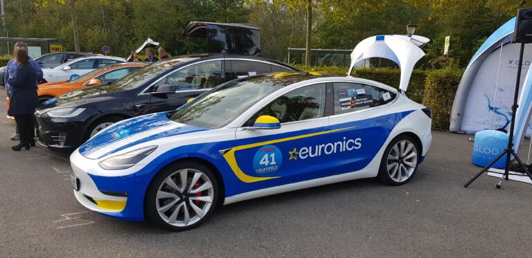Der Tesla Model 3 im EURONICS-Design