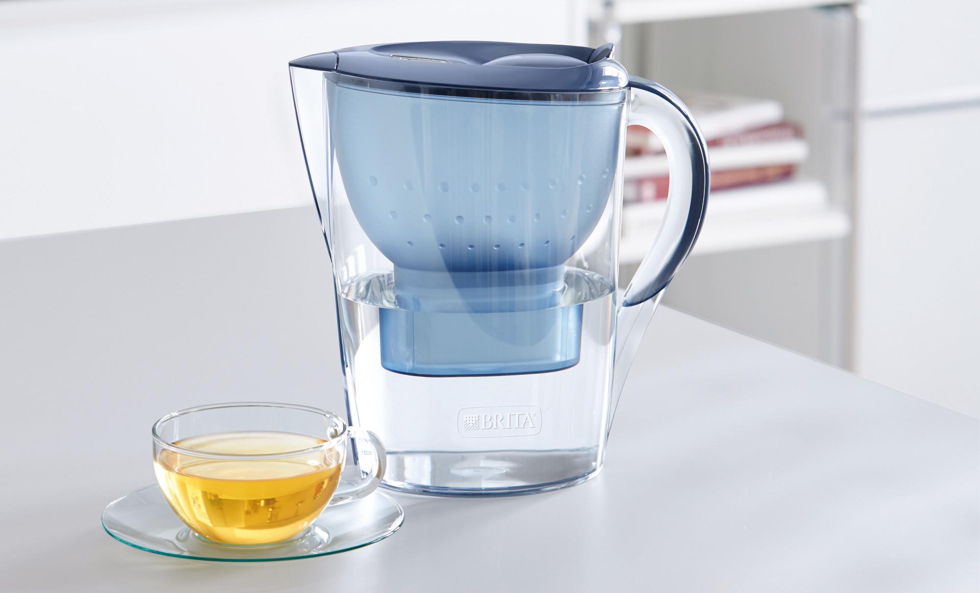 Wasserfilter Brita Marella mit Tasse Tee