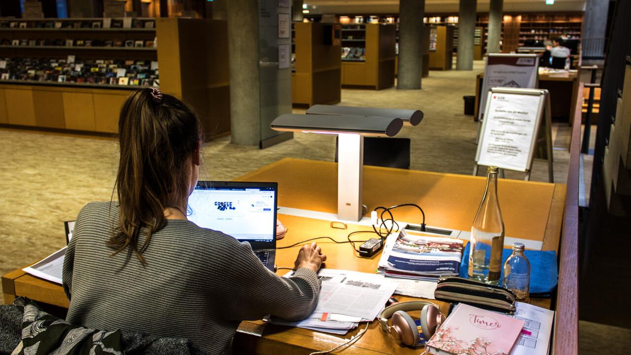 Besser studieren mit Notebook und Smartphone