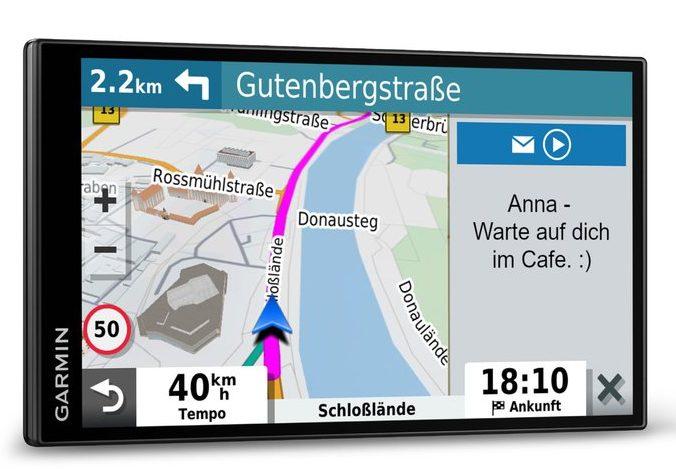 Das Garmin DriveSmart 65 nutzt via App den Zugriff auf das Internet. (Foto: Garmin)