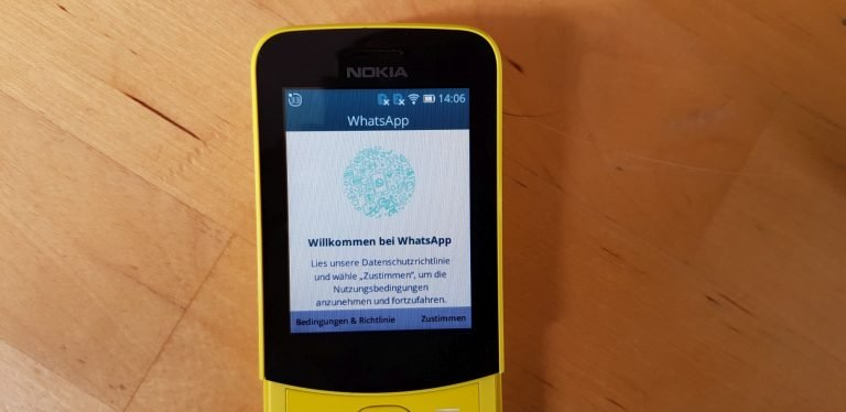 WhatsApp auf einem Smart Feature Phone. (Foto: Sven Wernicke)