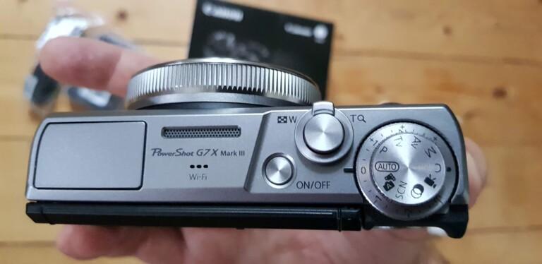 Die Canon Powershot G7X Mark III von oben. (Foto: Sven Wernicke)