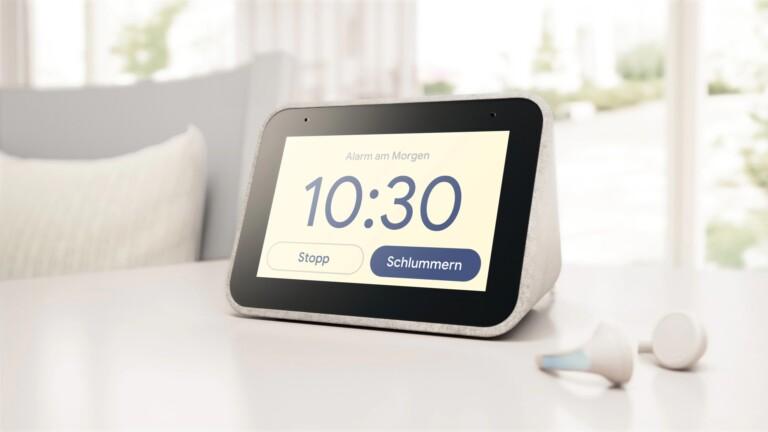Die Lenovo Smart Clock ist ein smarter Wecker, aber auch ein kleines Smart Display. (Foto: Lenovo)