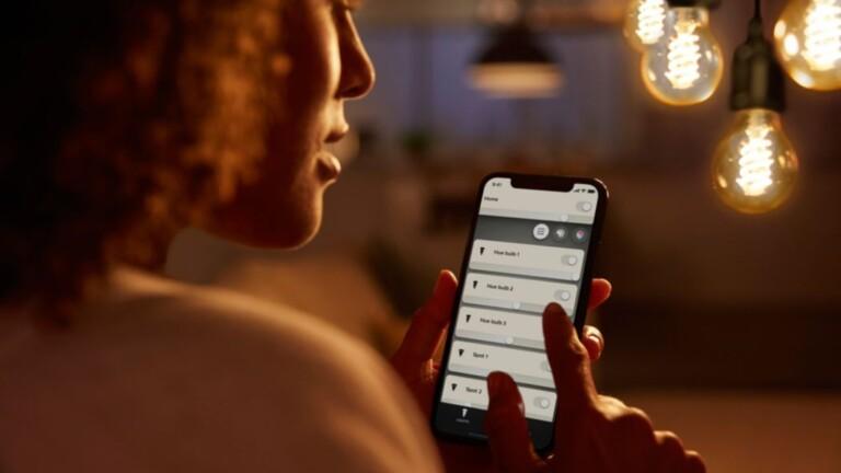 Mit Bluetooth geht alles und gar nichts, deswegen greifen Hersteller wie hier, Philips, alternativ gerne auf Eingenentwicklungen zurück.
