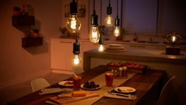 Schönes Licht und dabei noch Energiesparen. Systeme wie Philips Hue helfen. Foto: Signify