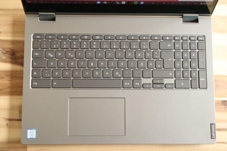 Große Tastatur, hohe Display-Unterkante