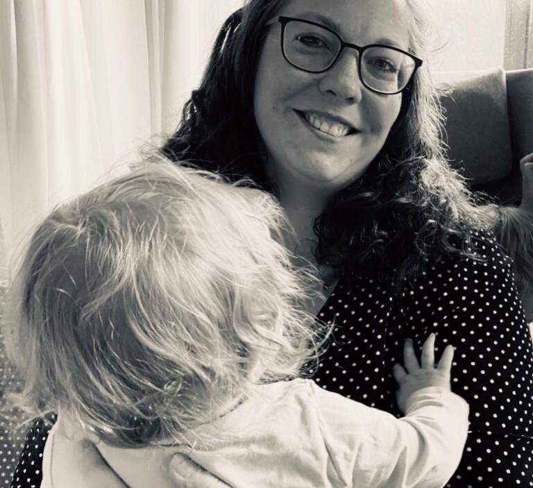 Die Autorin dieses Beitrags: Jessica Drooff mit Tochter