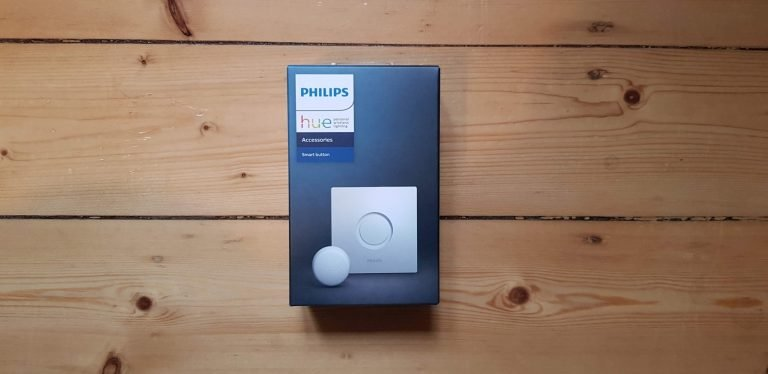 Wie gewohnt eine schicke Packung. In der steckt der winzige Philips Hue Smart Button. (Foto: Sven Wernicke)