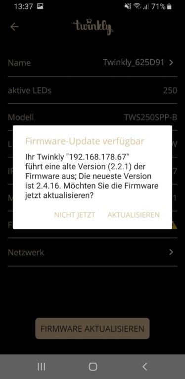 Zum Start gibt es natürlich ein Firmware-Update. (Screenshot)