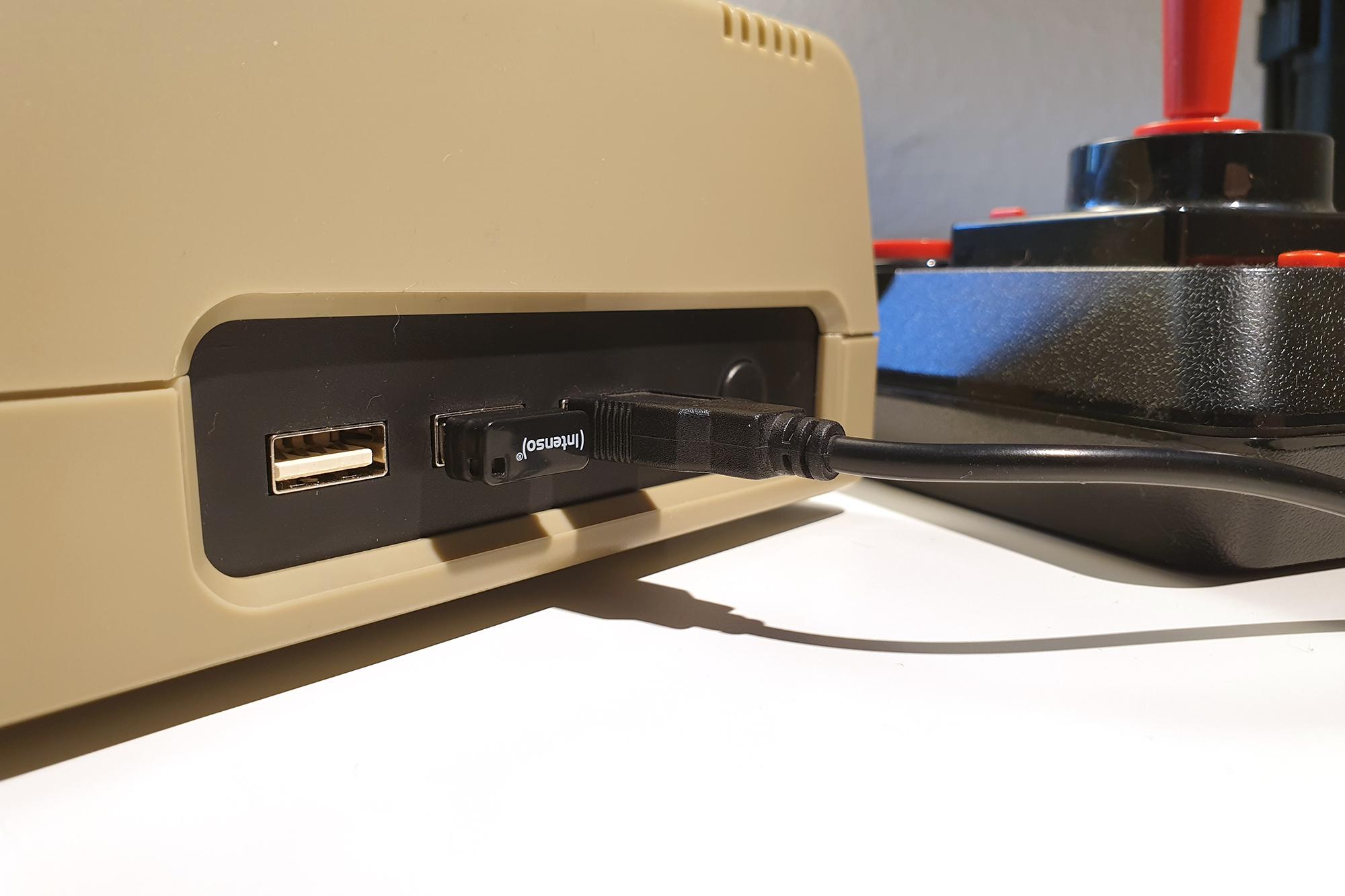 The C64 Maxi im Test - Seitenansicht