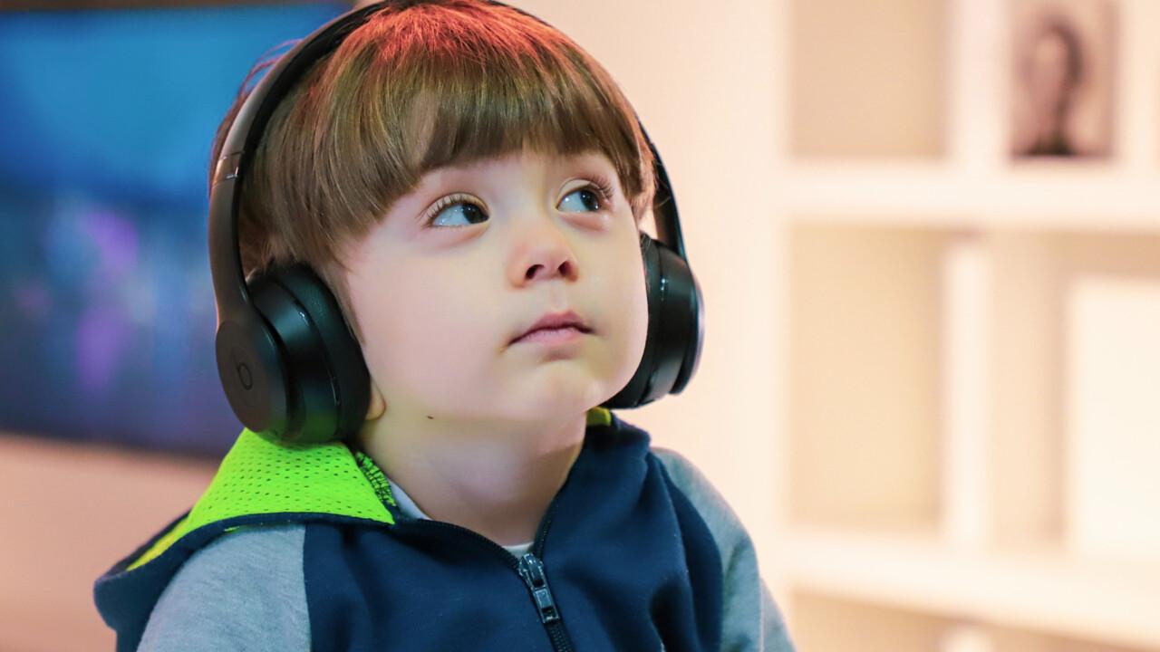 Wider den Lagerkoller: Podcasts hören mit und ohne Familie