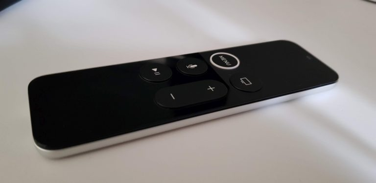 Die Remote vom Apple TV verfügt über eine Touchpad-Fläche. (Foto: Sven Wernicke)