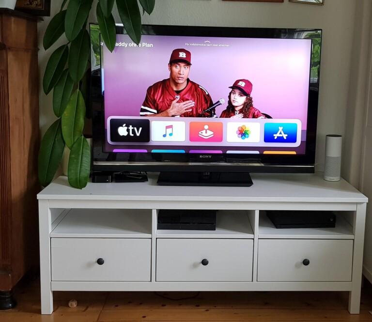 Die simple Apple-TV-Oberfläche mit riesigen Kacheln. (Foto: Sven Wernicke)
