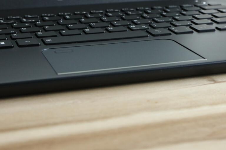 Touchpad im Dynabook X30L-G