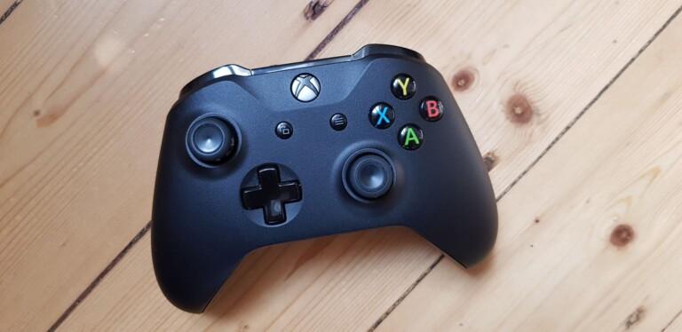 Der beste Controller für Apple TV ist (subjektiv betrachtet) der Xbox One Controller. (Foto: Sven Wernicke)