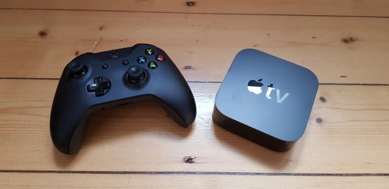 Wie Feuer und Wasser? Eher wie Sahne und Eis: Ein Xbox-Controller und ein Apple TV. Bild: Sven Wernicke