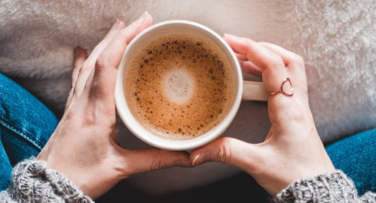 Kaffee und Hände
