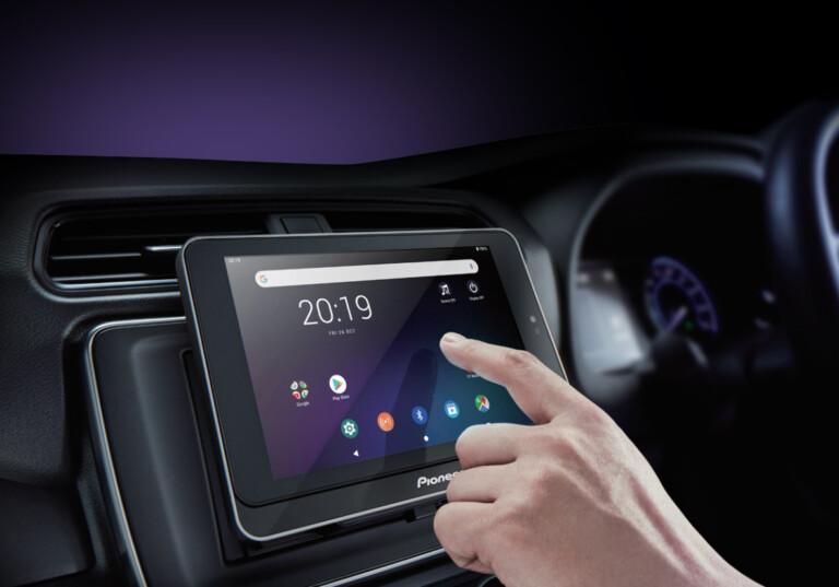 Pioneer SDA 8TAB: Das Bedienelement ist ein Android-Tablet, das ihr abnehmen könnt