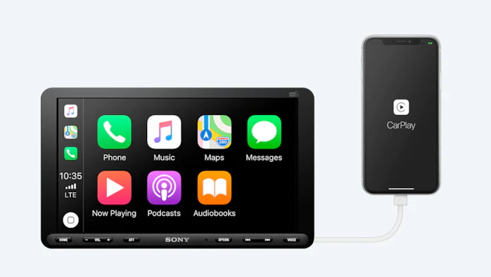 Sony spezialisiert sich in der XAV-Serie auf moderne Autoradios mit Touchscreen für 1- und 2-DIN-Anschlüsse, viele davon auch mit Apple CarPlay oder Android Auto.