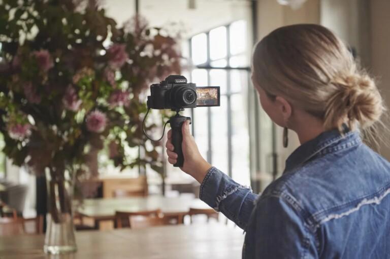 Eine Systemkamera für Vlogger - die Lumix G110. (Foto: Panasonic)