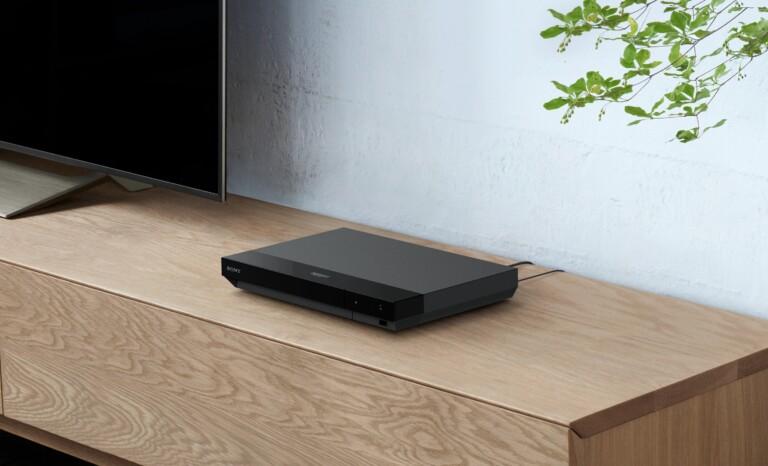 Ein UHD-Blu-ray-Player kann mehr als nur hochauflösende Silberscheiben abspielen. Ein solches Gerät passt gut nach dem Kauf eines neuen Fernsehers. (Foto: Sony)
