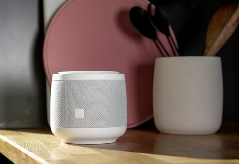 Auch der große Telekom Smart Speaker ist nicht allzu wuchtig. (Foto: Deutsche Telekom)