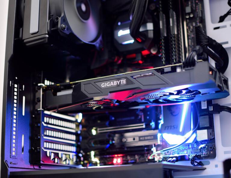GRafikkarte-in-Rechner-RGB