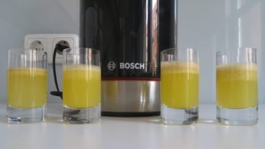 Slow Juicer Bosch VitaExtract mit Apfelsaft