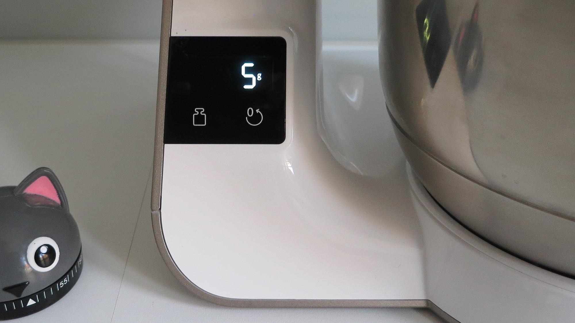 Küchenmaschine Bosch MUM5 scale mit Anzeige des Gewichts