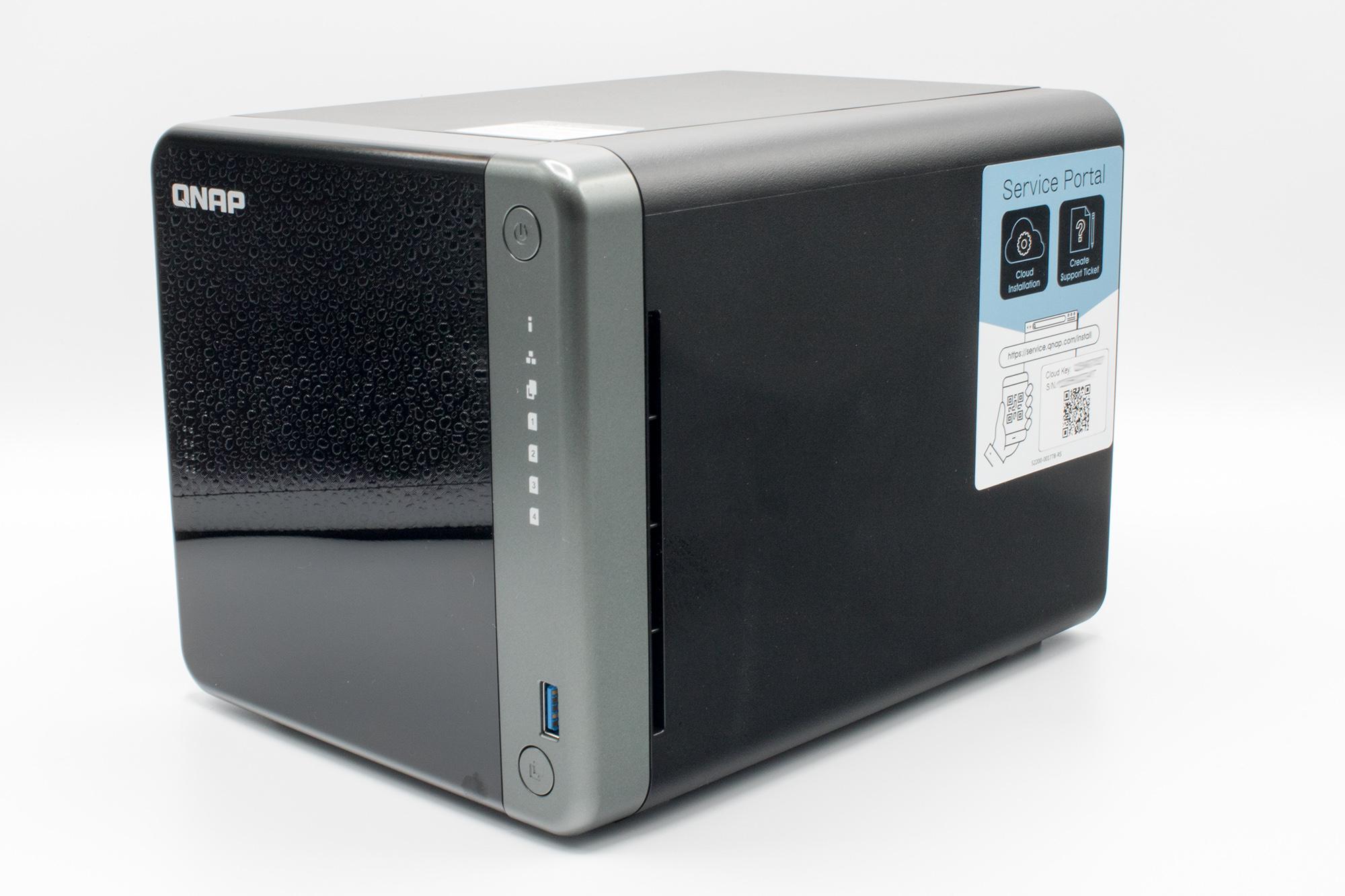 Seitenansicht der QNAP TS-453D