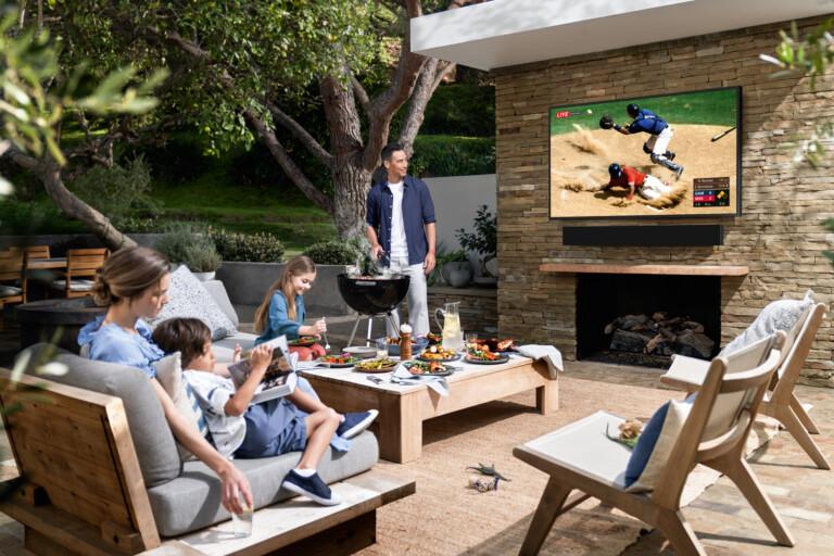"Samsungs regenfester Fernseher ""The Terrace"""