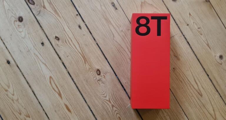 Wieder gibt's eine schöne, minimalistische Packung. OnePlus hat es drauf! (Foto: Sven Wernicke)