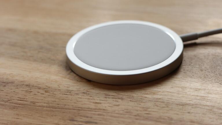 MagSafe-Stecker zum kabellosen Laden des iPhone 12 Pro Max