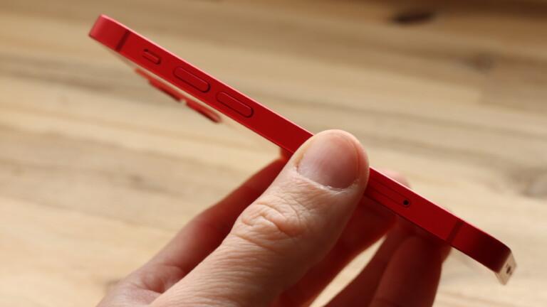 Handlich, stabil, auf Wunsch knallrot: Das iPhone 12 Mini