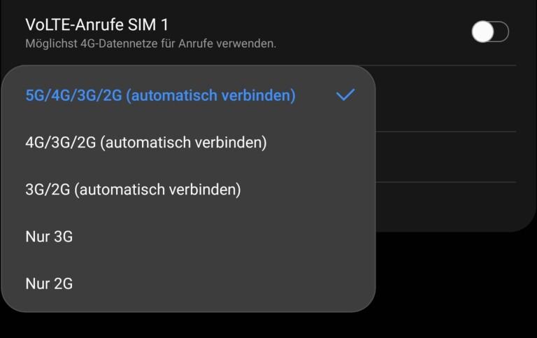 Einstellungen im 5G-Handy Samsung Galaxy Z Fold2 5G: Alleiniges 5G zunächst nicht wählbar