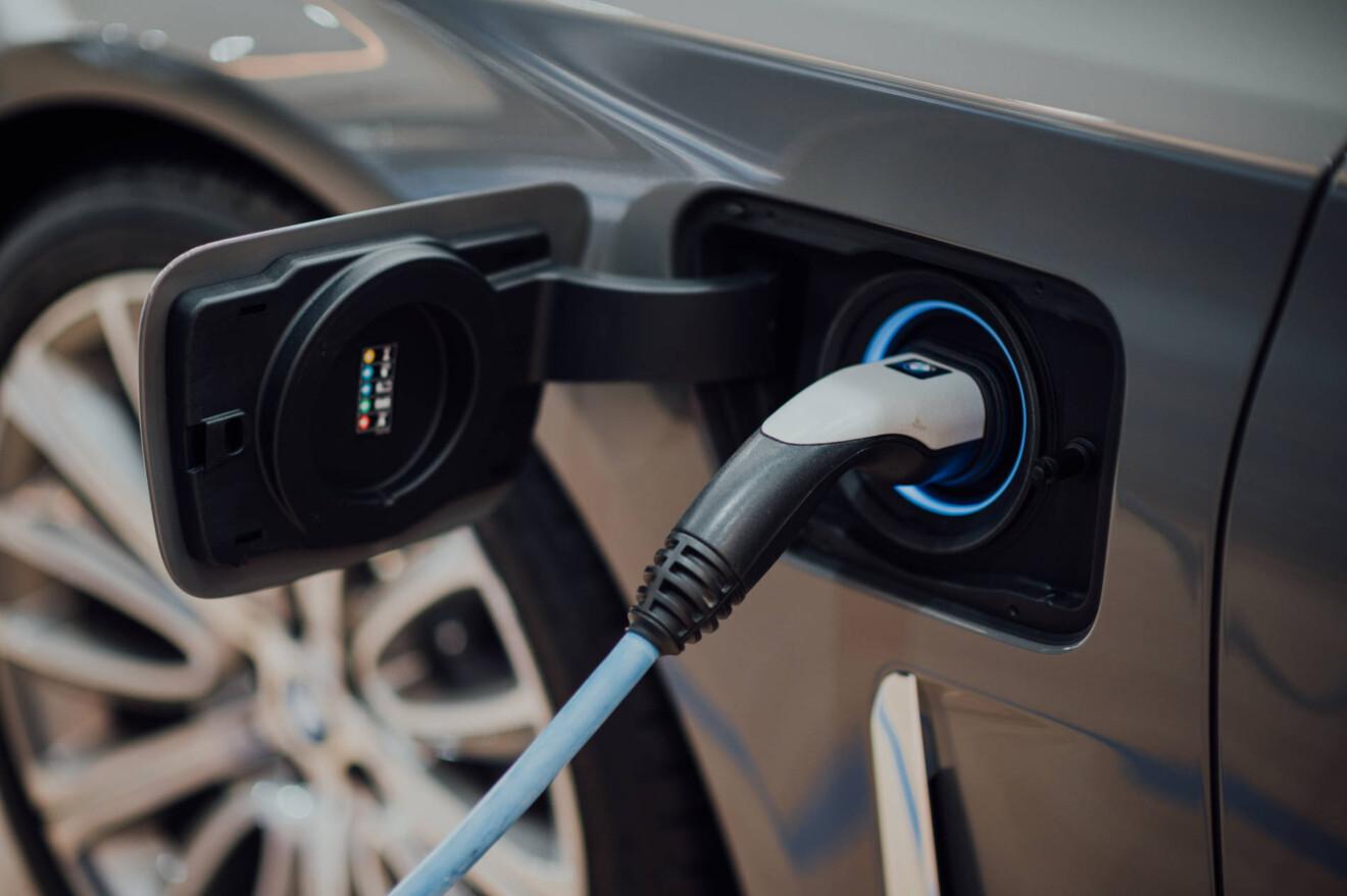 E-Autos: Wie ihr die nächste Ladesäule findet